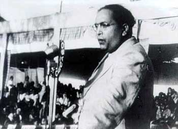 Ambedkar delivering a speech to a rally at Yeola, Nashik , on 13 October 1935 (photo in the public domain)